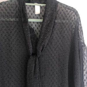 Size 8 H&M black dot blouse
